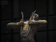 lira/ lyre Museo de Bellas Artes de Bilbao.          If you go to Bilbao to visit the Gugenheim do not miss this other one museum. I love it. (Jose Antonio. 62) Tags: spain españa basquecountry paísvasco bilbao bilbo statue estatua