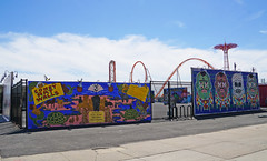 Coney Art Walls - Coney Island, Brooklyn (SomePhotosTakenByMe) Tags: coneyartwalls mural wandbild kunst art parachutejump amusementride fahrgeschäft amusementpark lunapark freizeitpark urlaub vacation holiday usa america amerika unitedstates newyork nyc newyorkcity newyorkstate stadt city coneyisland brooklyn outdoor mementomori kashink creaturesofconeypastandpresent marieroberts