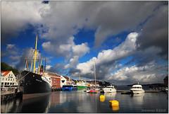 Stavanger harbor (seeneasy) Tags: norway norvegia stavanger riflessi reflections barche boats porto harbor cityscape clouds nuvole seeneasy canon canon5dmarkii canonef1635f4isusm natura nature estate summer fiordi fiordo fjord