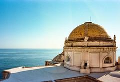 Catedral de Santa Cruz de Cádiz ([J Z A] Photography) Tags: 35mm 25mmcvltm spain rococo neoclassical portra160 baroque niccaiiis vicenteacero cádizcathedral cadiz catedraldecádiz analog kodak cv25mm jzaphotography ltm leica3ccopy voigtlandercolorskopar25mm attreecouk filmisnotdead grainisgood ishootfilm jzaphotographycouk