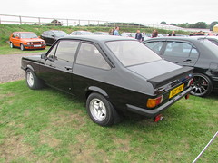 Ford Escort RS2000 Custom ECF15V (Andrew 2.8i) Tags: haynes motor museum breakfast meet sparkford yeovil somerset show classic classics cars car autos british mark 2 mk mk2 custom rs 2000 rs2000 escort ford