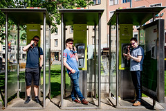 Triptych 1 - retro phoning (madmtbmax) Tags: nikon d850 street photography art retro telephonecell phoning calling scene triptych modernpainting men man male standing posing malemodel sunglasses sportsbrille red sportglasses sunny relaxed focuseddiscussion innsbruck austrian city österreich