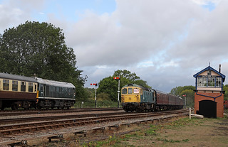 Passing trains at the GCR
