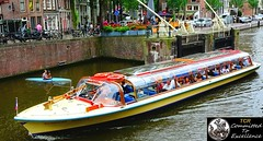 Amsterdam June 2018, Canal Cruise. Holland. 4 (> Pinoy) Tags: amsterdam holland northholland boat boats water waters ride tourists travels traveler traveling europe canals tours people boatings boaters sony sonycameras 4k hd rides fun romantic couples holidays