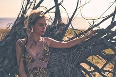 Celia (@phr_photo) Tags: woman femme girl pretty beauty feminine elegance elegant arbre tree plage beach ocean sunny