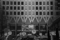 Reuters Plaza, London (Hans Westerink) Tags: londen england verenigdkoninkrijk gb black white hanswesterink clock time reuters docklands jubilee