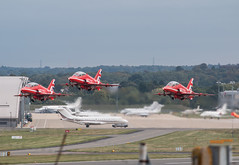 EGLF - The Red Arrows (lynothehammer1978) Tags: eglf fab farnborough farnboroughairport raf100 royalairforce raf baesystemshawkt1 xx310 xx322 theredarrows theredarrowsdisplayteam