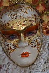venetian masks portraits - 2 (fotomänni) Tags: masken masks venezianischerkarneval venezianisch venetiancarnival venetian venezianischemasken venetianmasks venezianischemesseludwigsburg portraits portrait portraitfotografie manfredweis