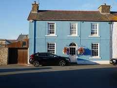 Aberaeron (Dubris) Tags: wales cymru ceredigion aberaeron seaside coast town architecture building house blue