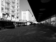 Wieselgrensplatsen, Göteborg, 2018 (biketommy999) Tags: göteborg sverige sweden biketommy biketommy999 2018 hisingen svartvitt blackandwhite