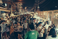 Making our way across Wui Lai Night Market. (bwilliamp) Tags: chiangmai thailand thailandtrip travel northernthailand nightmarket nightmarketfood wuilainightmarket wuilaimarket night