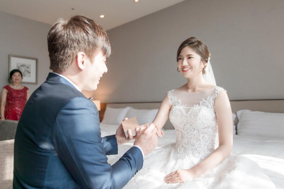 高雄婚攝 海中鮮婚宴會館 有正妹新娘快來看呦 C & S 044
