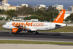G-EZWB | easyJet | Airbus A320-214 | CN 5224 | Built 2012 | LIS/LPPT 03/05/2018 (Mick Planespotter) Tags: aircraft airport 2018 portugal portela lisbon gezwb easyjet airbus a320214 5224 2012 lis lppt 03052018 a320