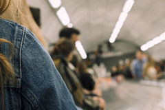 _DSF9020-20180818 (Tris Vocaturo) Tags: london londonstreets people england streetphotography street fuji fujifilm fujinon unitedkingdom xe3 evening