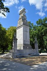 War Memorial, Watts Park (West Park), Southampton (John D McDonald) Tags: england britain greatbritain wessex geotagged westpark wattspark westmarlands warmemorial cenotaph centralparks southamptoncentralparks