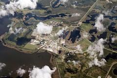 D McIntosh Jr Power Plant (zeesstof) Tags: zeesstof vacation photoassignment flight commercialflight houstontoorlando florida unitedairlines powerplant dmcintoshjrpowerplant lakeland