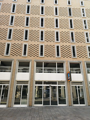 2018-08-FL-195713 (acme london) Tags: aldi brickslips carpark mscp parking precastbrickfacade precastconcrete steelstructure wiesbaden