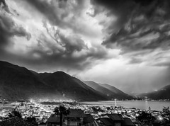 Huge thunderstorm above lombardi an mountains (juhwie.foto - PROJECT: LEIDENSCHAFT-LICH-T) Tags: clouds thunderstorm storn temporale gewitter lightning sky drama dramatic mountains bnw lake blackandwhite blackwhite monochrome landscape landscapephotography pentax pentaxart k1 ricohimaging lombardia italy ngc