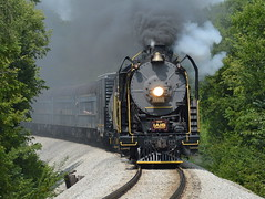 Rounding the curve (Robby Gragg) Tags: iais 2102 6988 mitchelleville