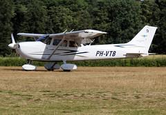 PH-VTB (wiltshirespotter) Tags: ebdt schaffendiest cessna 172 172s skyhawk
