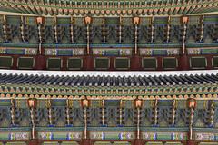 Sajeongjeon Roof (syf22) Tags: palace residence royal king sovereign stately castle dwelling manor mansion fort hold building korean classic buildings formal decorated design decoration intricate details interrelated complicate maze ceiling roof wall earthasia