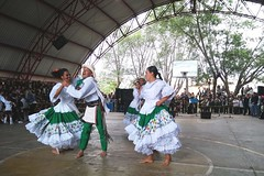 "GRUPOS DE DANZA DE MEXICO Y ANTIOQUIA DELEITARON A LA COMUNIDAD  EDUCATIVA DE LA  ESCUELA NORMAL SUPERIOR DE PASTO • <a style=""font-size:0.8em;"" href=""http://www.flickr.com/photos/158356925@N08/42396105650/"" target=""_blank"">View on Flickr</a>"