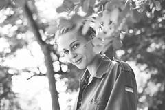 Celia D. au naturel (@phr_photo) Tags: girl woman femme face visage nature summer smile sourire
