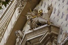 38 PARIS en août 2018 - Théâtre Saint-Martin (paspog) Tags: paris france août august 2018 théâtresaintmartin façade fassade facade portesaintmartin sculpture sculptures