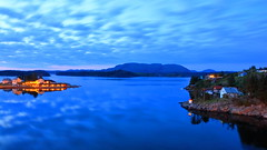 Herdla, Eldsfjellet 13. mai -18 30 sec (bjarne.stokke) Tags: herdlafjorden herdla askøy langlukkertid 30sec hordaland skyer natt nigth