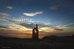 3KA09189a_C (Kernowfile) Tags: tinmine cornwall cornish mine house stack shine sunset sky clouds star whealowles poldark botallack grass bushes walls
