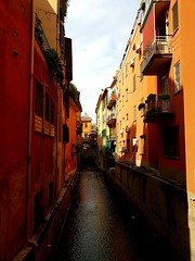 Bolonha ... Beautiful, charming and colorful city (Antónia Lobato) Tags: bologna bolonha canale reno colors charming city italia itália colorida colorful