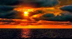 Sonnenuntergang in Dorum-Neufeld (Wolfgang.W. ) Tags: sunset sunrise sun sonne sonnenuntergang sonnenaufgang see meer sea landscape landschaft dorumneufeld cuxland nordseeküste