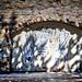 Sur l'un des murs de la manécanterie soutenant la cathédrale St Jean, un voûte carolingienne.             _DSC4335