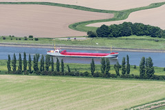 The Douwent on River Witham out of Boston - aerial (John D Fielding) Tags: douwant ship river witham boston lincs lincolnshire above aerial nikon d810 hires highresolution hirez highdefinition hidef britainfromtheair britainfromabove skyview aerialimage aerialphotography aerialimagesuk aerialview drone viewfromplane aerialengland britain johnfieldingaerialimages fullformat johnfieldingaerialimage johnfielding fromtheair fromthesky flyingover fullframe douwent