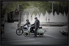 En Vespa (Pablo M.B.) Tags: motocicleta moto motorcycle bike motorbike cycle motorrad motocyclette motorkerékpár