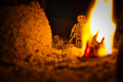 Rey at the Fire (Ralph_H) Tags: lego legofan legostarwars legofun legographer legocustom fire feuer leia han solo rey