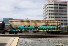 MP 718610 (imartin92) Tags: emeryville california unionpacific railroad railway freight train covered hopper missouripacific