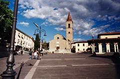 Arezzo piazza sant'Agostino (michele.palombi) Tags: arezzo piazza santagostino kodak ultramax 400asa nikonf3 colortec c41 negativo colore