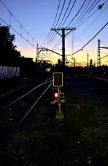 Weird Ways (Jesús Simeón) Tags: cercanías estacióndetren madrid villaverdealto twilight dusk goingsouth railways anochecer