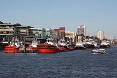 Hamburg: Schlepperhafen (Helgoland01) Tags: hamburg elbe river fluss deutschland germany schiff ship schlepper tug
