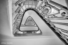 Hamburg - Mönckeberghaus (peterkaroblis) Tags: hamburg treppenhaus staircase haus house building gebäude innenansicht architektur architecture interiordesign schwarzweiss blackwhite innenarchitektur interieur interiorarchitecture lines curves linesandcurves geometry geometrie