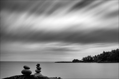 F-G_MG_1281-BW-2-Canon 6DII-Canon 16-35mm-May Lee 廖藹淳 (May-margy) Tags: maymargy bw 黑白 鵝卵石 pebbles 雲彩 clouds 長曝 longexposure 多重曝光 multipleexposure 蘇必略湖 lakesuperior 明尼蘇達州 minnesota 美國 usa 時空 小島 islet 線條造型與光影 linesformandlightandshadow 天馬行空鏡頭的異想世界 mylensandmyimagination 心象意象與影像 naturalcoincidencethrumylens gmg1281bw2 woods 樹林 模糊 blur canon6dii canon1635mm maylee廖藹淳