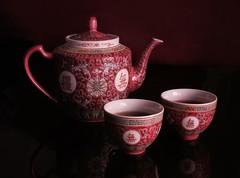 tea for two (-liyen-) Tags: activeassignmentweekly memoriesofhome teapot tea chineseteapot cups stilllife indoors fujixt2 bestofweek1 bestofweek2 bestofweek3 bestofweek4 bestofweek5 bestfoweek6 challengeyouwinner cyunanimous