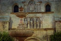 Piedras que hablan (Iglesia de San Sebastián, Antequera) (alanchanflor) Tags: canon color textura piedra fachada fuente esculturas iglesia antequera málaga andalucía escudo plaza