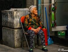 BEIJING (RLuna (Charo de la Torre)) Tags: asia china beijing pekin ciudad people footstreet budismo viaje vacaciones rluna1982 photo canon instagramapp rluna eos multicolor igersmadrid igerspain igers igersspain