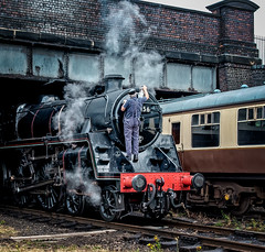 Setting the headcode (Peter Leigh50) Tags: steam locomotive loughborough engine train track bridge railway railroad rail fujifilm fuji xt10 gcr great central 73156