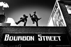 Dancing on the Roof-BP30385bw (Rob Blok / BLOK PHOTO) Tags: street amsterdam nikon dx 1224mm blackwhite blokphoto robblokphotography robblokfotografie