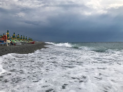 in ricordo delle ferie (Alberto Brambilla) Tags: spiaggia mare calabria bianco rc
