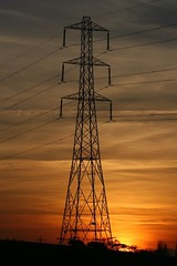 Energy Sunset (feldweg2008) Tags: sonne sonnenuntergang sun sommer summer sunset power energy energie abend sky himmel strommast strommasten steeltower powerlines powerpylon pylon highvoltagetower powercables linemen lineman climb climbing climber