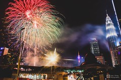 // Firework // (tomsweisiong) Tags: picture photograpghy photography photo firework malaysia kualalumpur kuala persekutuan klcc sky skyscraper tower tourism travel asia light exposure experiment night flickr yahoo wilayah petronas 2018 image images imaging outdoor building city